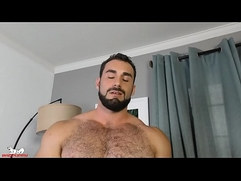 Muscle Hunk Jaxton does a solo workout