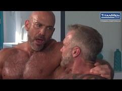 Muscle bear daddies have some fun