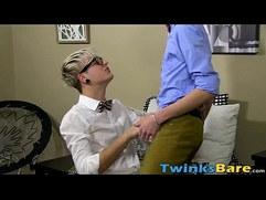 Twinks Jason Valencia and Carmen Delano barebacking hard