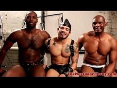 Gaysex ebony toying his asshole