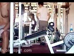 Anh trai ở Quận 3 sóc lọ trong gym club